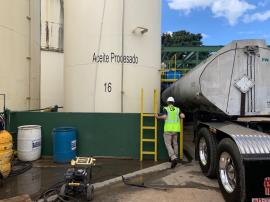 EPA personnel performing an assessment of tanks at the Oil and Energy Systems facility in Arecibo.