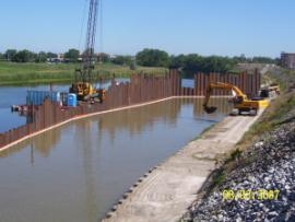 Day two of Turbidity Barrier Construction in Tittabawassee River at Reach Project D Area