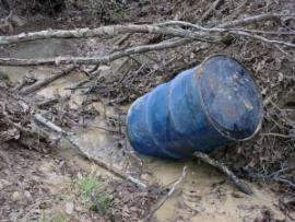 Hydraulic Oil Drum leaking into Lower Little Creek