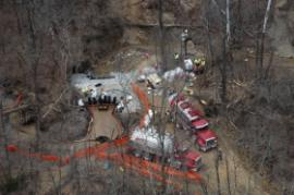 Oil skimming and vacuum operations at the underflow dam<br />Date Taken: 3/25/2014<br />Category: Site Photo<br />Latitude: <br />Longitude: <br />Tags: