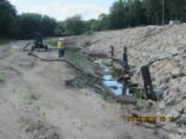 BNSF contractors monitoring soil flushing operations